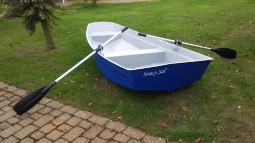 8'-dinghy-row-boat-blue