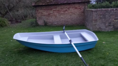 8'-dinghy-row-boat