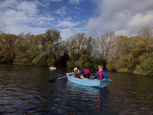 3-kids-in-a-boat