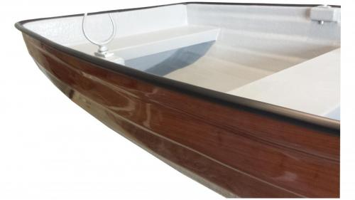 real-wood-effect-dinghy-close-up